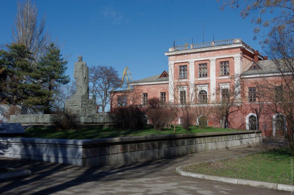 Феодосия, Памятник Ивану Назукину