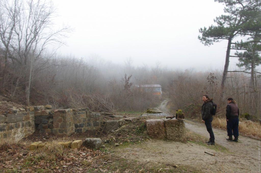 В 1950 году по приказу Л. Берия все постройки монастыря были взорваны, в скалах были проложены тоннели и на территории монастыря расположился ядерный арсенал Черноморского флота.
