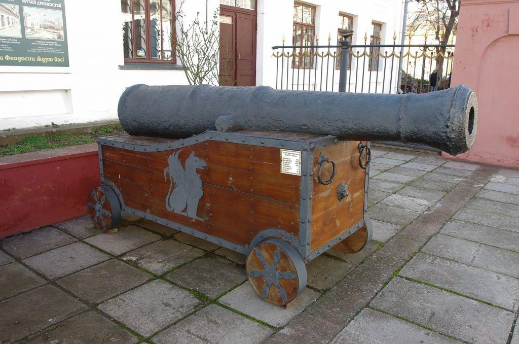 Пушка. Феодосийский музей древностей