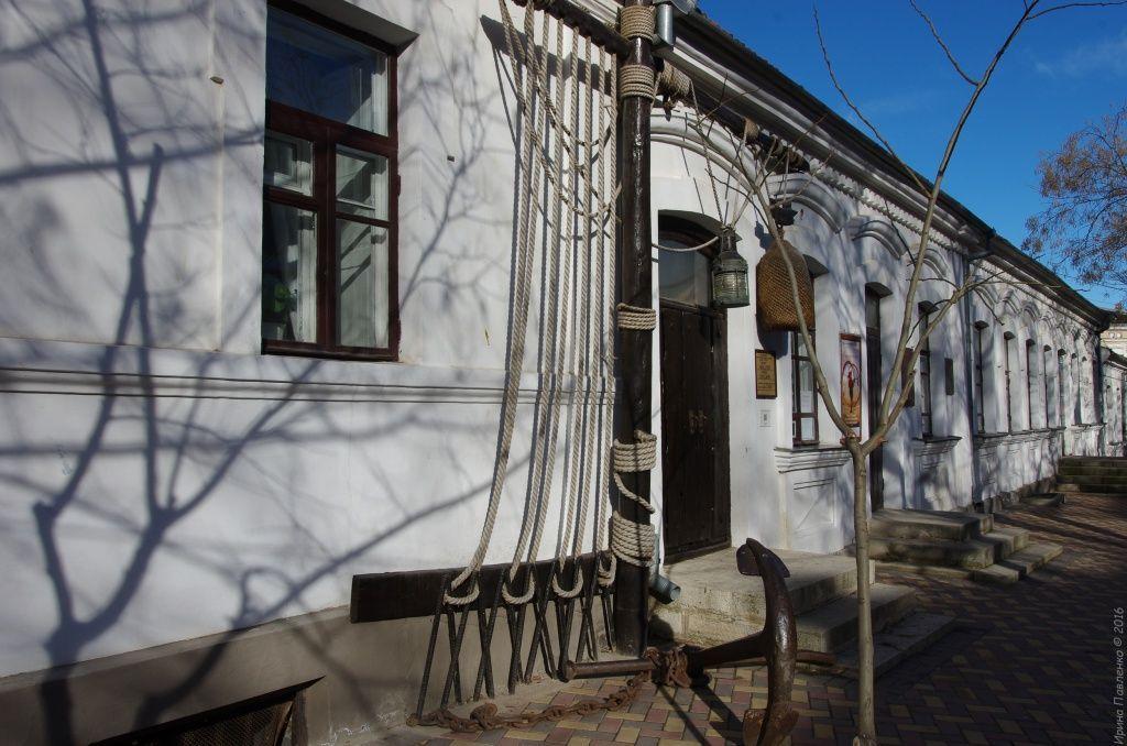 Феодосия, вход в музей Грина