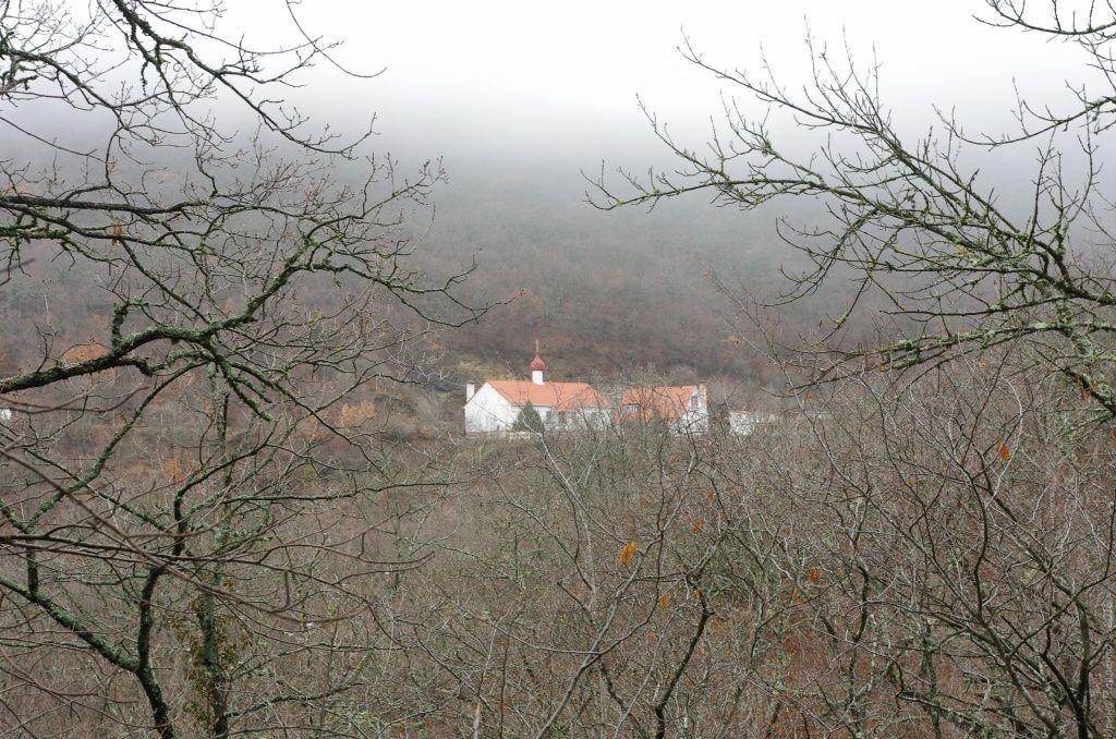 Кизилташский монастырь в горах Крыма