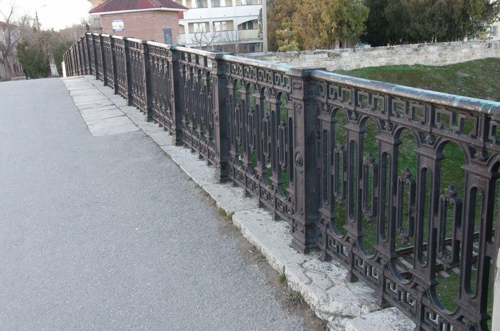 Феодосия, решетка железнодорожного моста